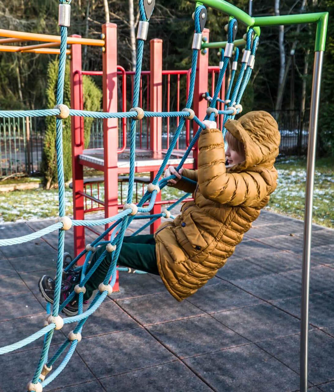 Plac zabaw_Szpital dla dzieci rehabilitacyjny